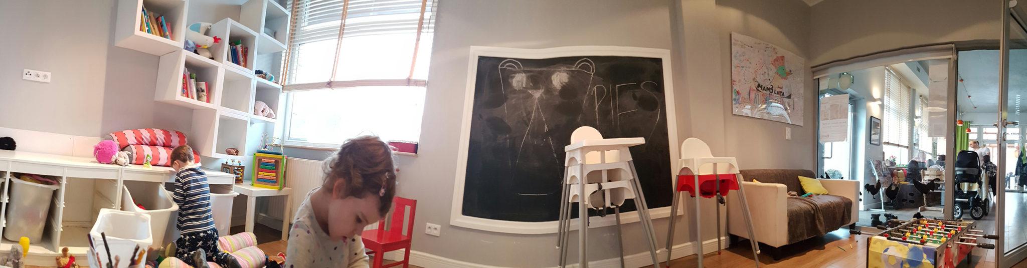 Dzieciaki w restauracji
